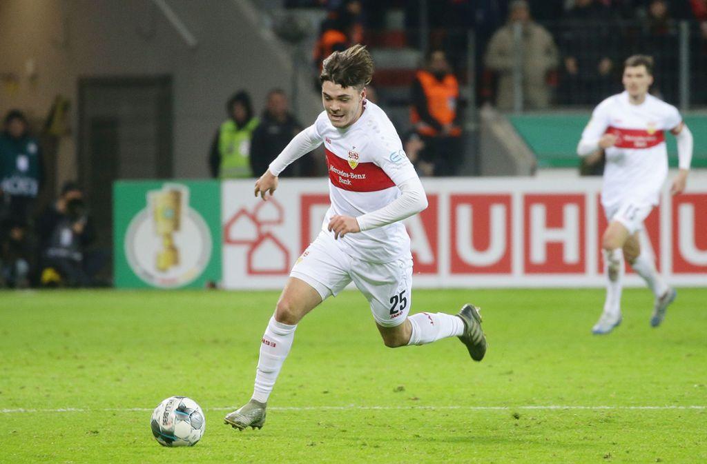 Mit Tempo und starker Technik: das 17-jährige VfB-Talent Lilian Egloff Foto: Baumann