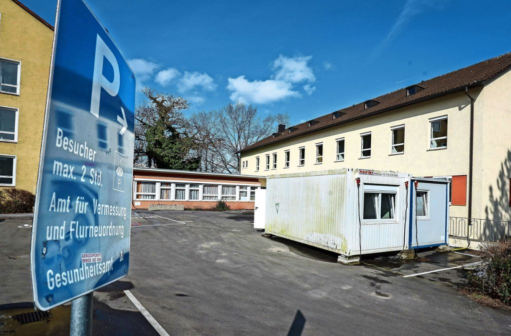 Die Gäste  des Böblinger Gesundheitsamtes werden erst durch  Container geschleust, um Ansteckungen zu vermeiden. Foto: factum/Granville