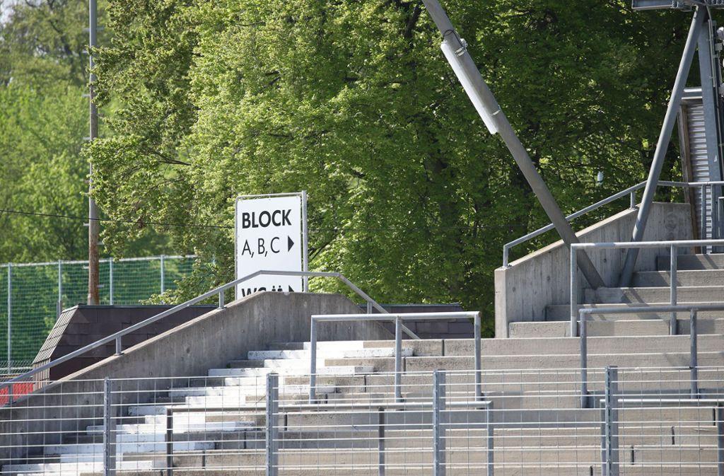 Leere Ränge im Gazi-Stadion – so wird es erst mal auch bleiben. Foto: Baumann