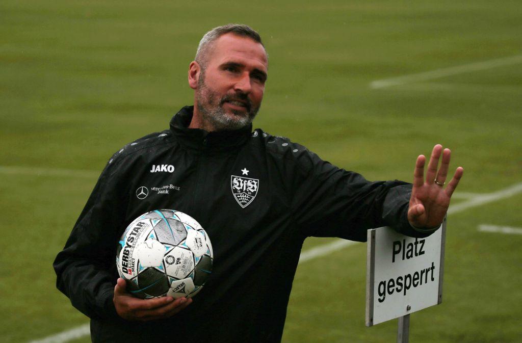 Tim Walter führt den VfB Stuttgart seit diesem Sommer als Trainer an. Foto: Baumann