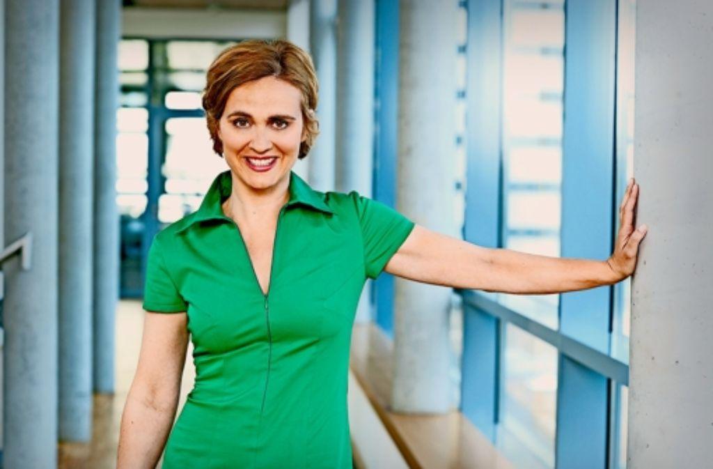 DVD zur Medienkompetenz: Caren Miosga  fungiert als eine von mehreren Lotsen durch die Medienwelt. Foto: NDR