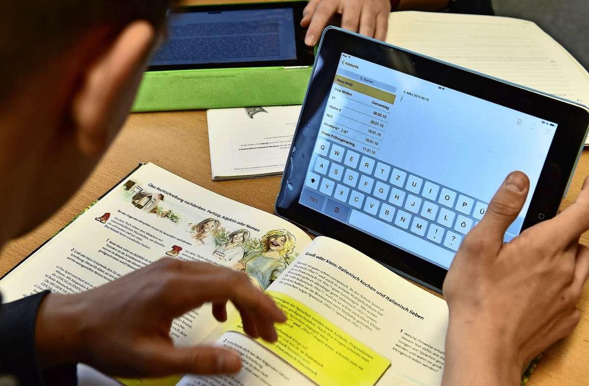 Die Wielandschule soll 30 Schülertablets bekommen. Für digitalen Unterricht reiche das aber noch nicht aus, heißt es in dem Brandbrief. Foto: dpa/Carmen Jaspersen