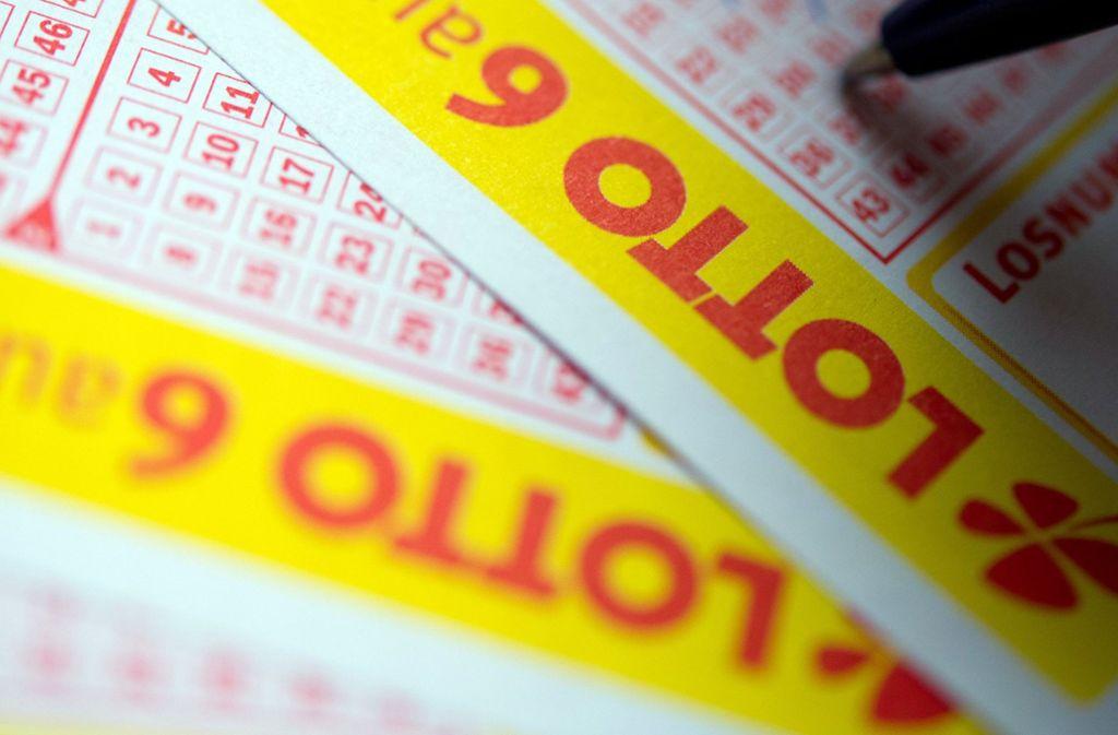 Ein Lotto-Spieler aus Baden-Württemberg hat 1,6 Millionen Euro abgesahnt (Symbolbild). Foto: dpa