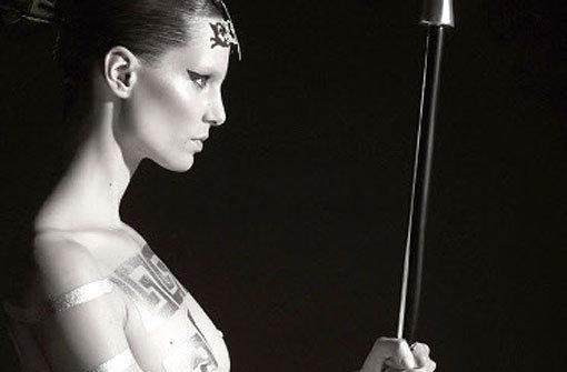 Pirelli: Sexy Posen für Karl Lagerfeld