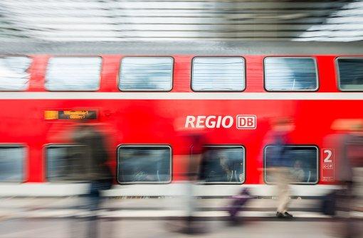 Jugendliche verprügeln 17-Jährigen in Regionalzug