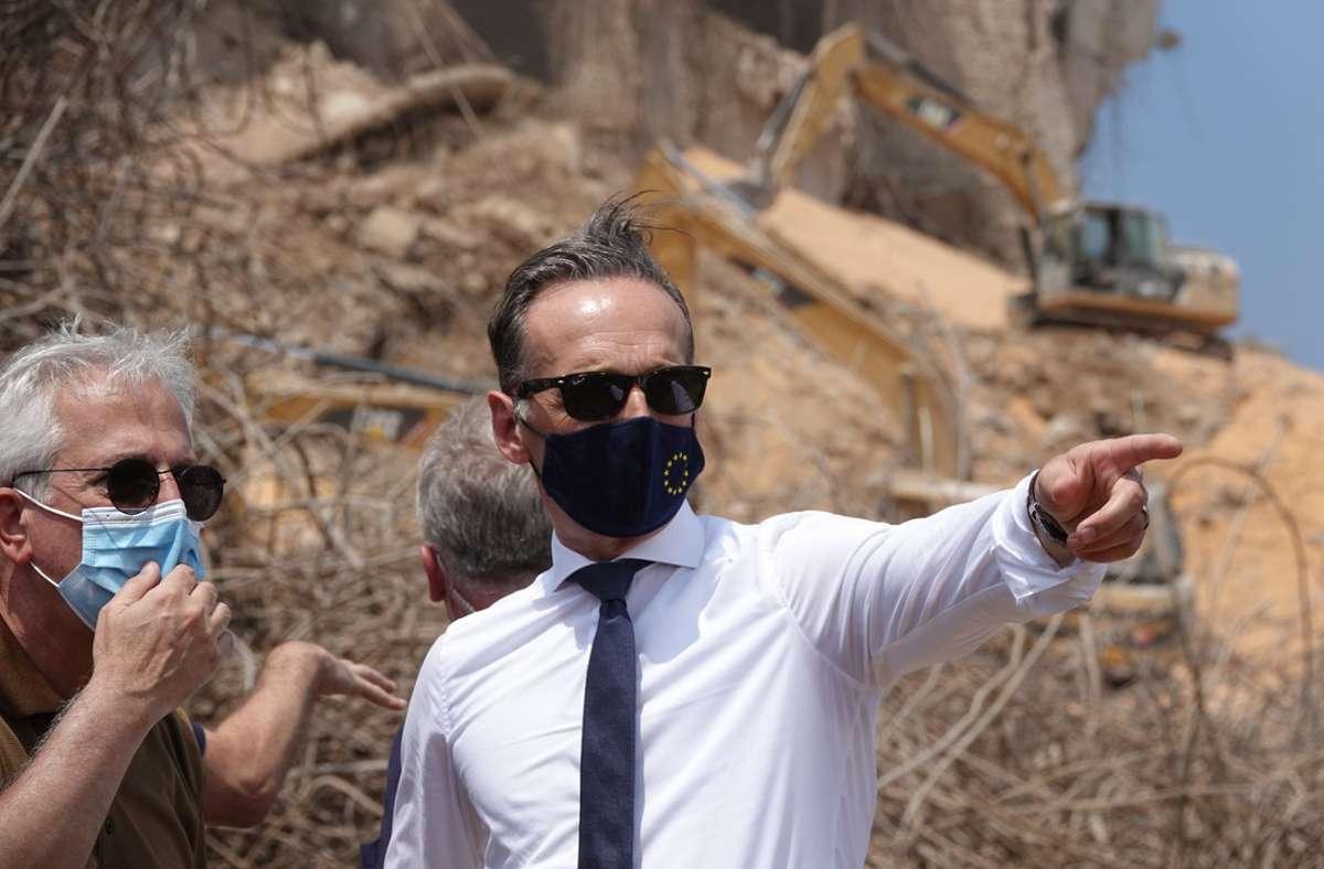 Deutschlands Außenminister Heiko Maas (SPD) machte sich vor Ort ein Bild von der Lage in Beirut im Libanon. Foto: dpa/Michael Fischer