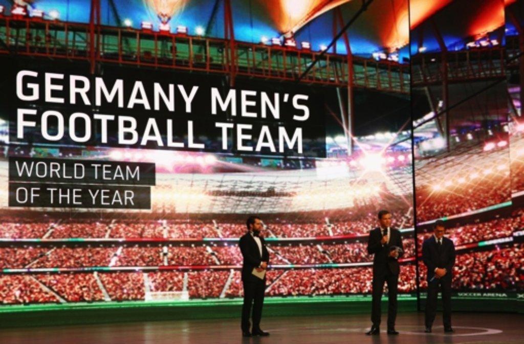 In Shanghai hat Oliver Bierhoff für das DFB-Team von Jogi Löw den Laureus Award in Empfang genommen. Foto: Getty Images AsiaPac