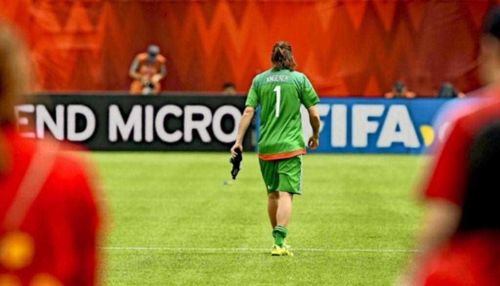 Bitterer Abgang: die deutsche Torhüterin Nadine Angerer hat mit der WM-Niederlage gegen England ihre Nationalmannschaftskarriere beendet. Foto: dpa