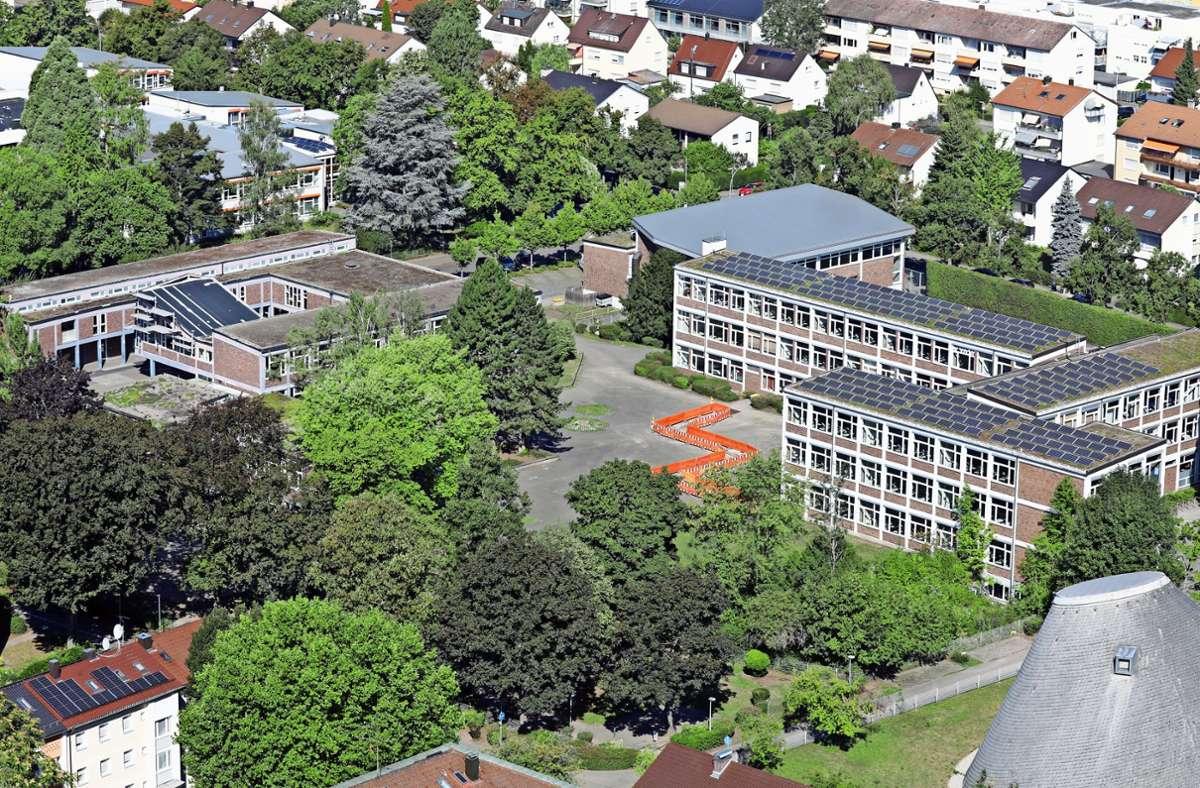 Das Maickler-Schulzentrum –  hier vom obersten Stockwerk des Schwabenlandtowers aus fotografiert –  erfährt demnächst erhebliche Umbauten. Foto: Patricia Sigerist