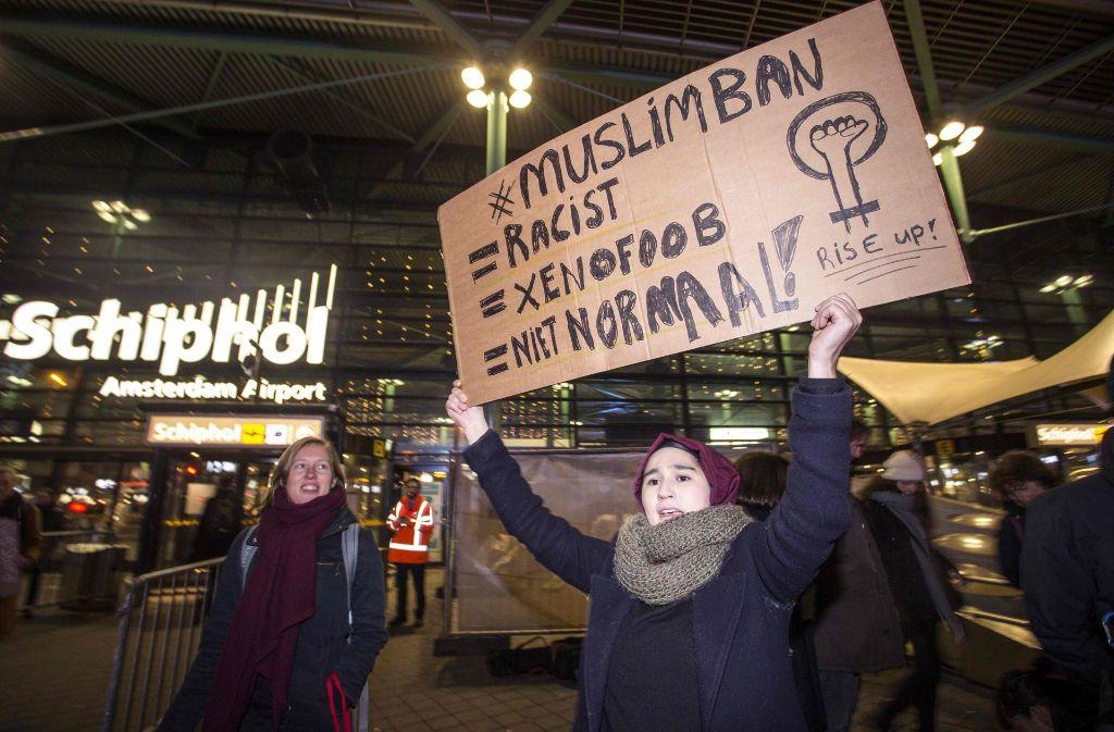 Das iranische Paar war am Samstag in Amsterdam zwischengelandet, als sie das Einreiseverbot traf. Vier weitere Iraner waren mit ihnen gestrandet, allerdings weigerte sich nur das Paar, zurück zu fliegen.(Symbolbild) Foto: AFP