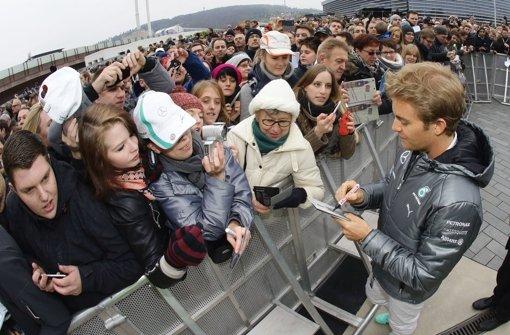 Tausende feiern Rosberg und Hamilton