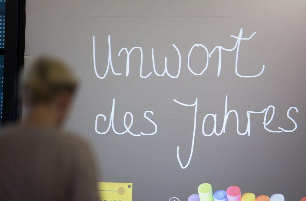 """Das """"Unwort des Jahres 2016"""" lautet """"Volksverräter"""". Das gab die Jury am Dienstag in Darmstadt bekannt. Foto: dpa"""