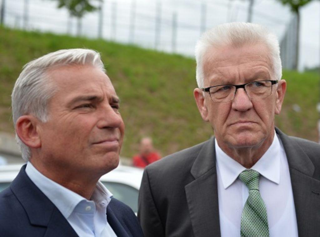 Der Ministerpräsident und sein Stellvertreter: Winfried Kretschmann (Grüne, rechts) und Thomas Strobl (CDU) führen die grün-schwarze Koalition in Baden-Württemberg Foto: dpa