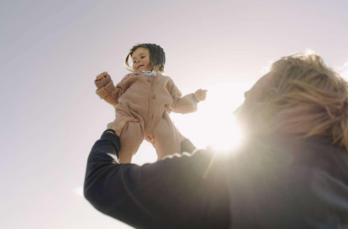 Kinder in Baden-Württemberg dürfen sich über eine hohe Lebenserwartung freuen. Foto: imago images/Westend61/Gustafsson via www.imago-images.de