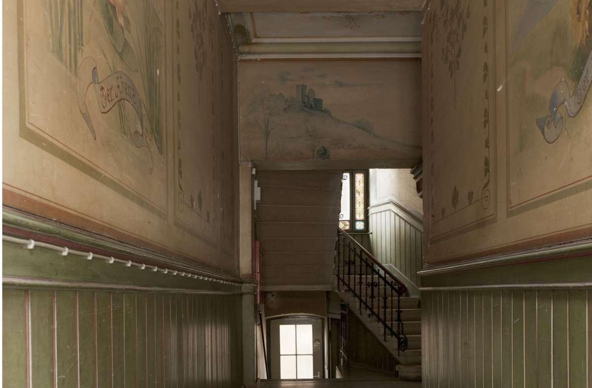 Das Treppenhaus weist eine ungewöhnlich üppige Bemalung auf. Foto: Jochen Detscher