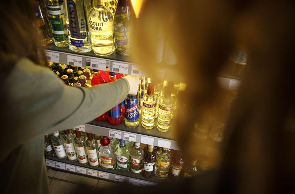 Gerade junge Erwachsene konsumieren viel Alkohol. Foto: © C) Gottfried Stoppel/Gottfried Stoppel