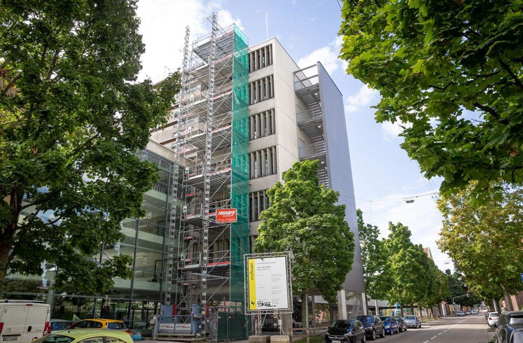 Auch die  Louis- Leitz-Schule in Feuerbach ist derzeit eine Baustelle. Foto: Lichtgut/Julian Rettig