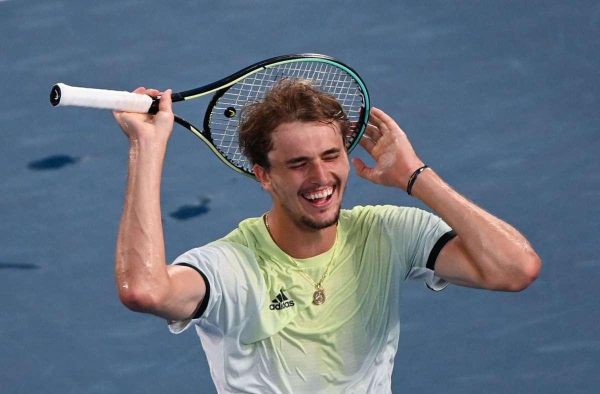 Alexander Zverev is happy about his victory.  Photo: dpa / Marijan Murat