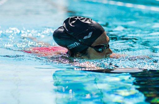 Schwimmen  soll  Frau S. beim Abnehmen helfen