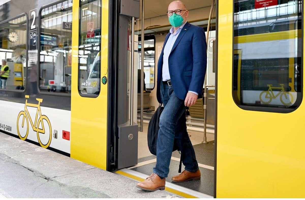 Verkehrsminister Winfried Hermann hatte die zusätzliche S-31-Station, die 785 Millionen Euro kosten soll, am Dienstag verteidigt und eine Studie veröffentlicht. Foto: dpa/Bernd Weissbrod