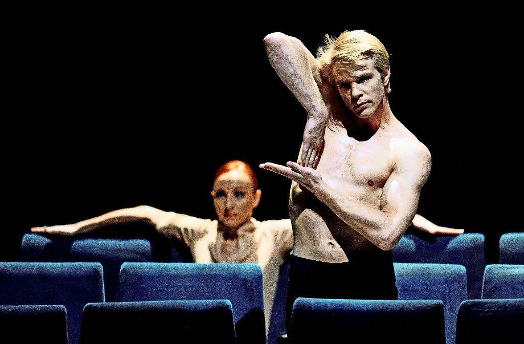 """Marijn Rademaker (rechts) und Magdalena Dzieglielewska im Jahr 2013 bei Proben zu Marco Goeckes Ballett """"On Velvet"""" Foto: dpa"""