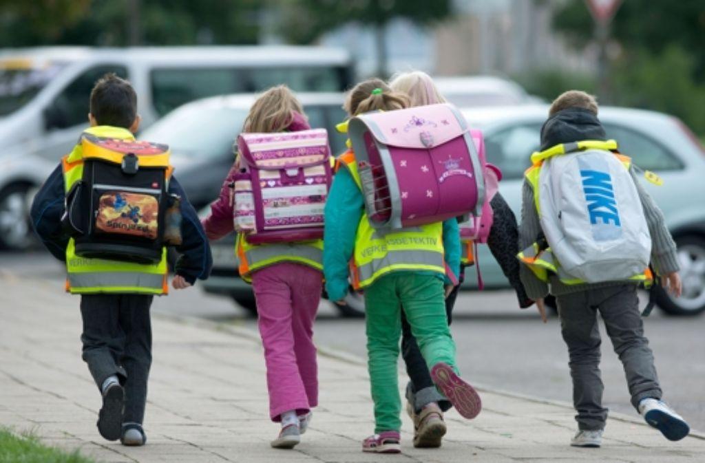 Schule muss sein – auch wenn deutsche Schüler eher ungern die Schulbank drücken. (Symbolfoto) Foto: dpa