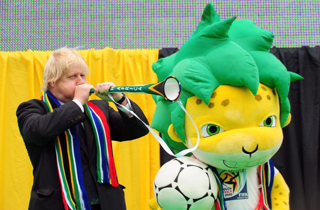 Boris Johnson ist durchaus fußballbegeistert. Foto: dpa/Facundo Arrizabalaga