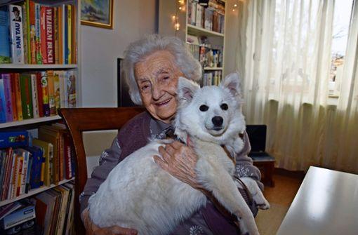 102-jährige Stuttgarterin und Hund Coco sind ein Herz und eine Seele
