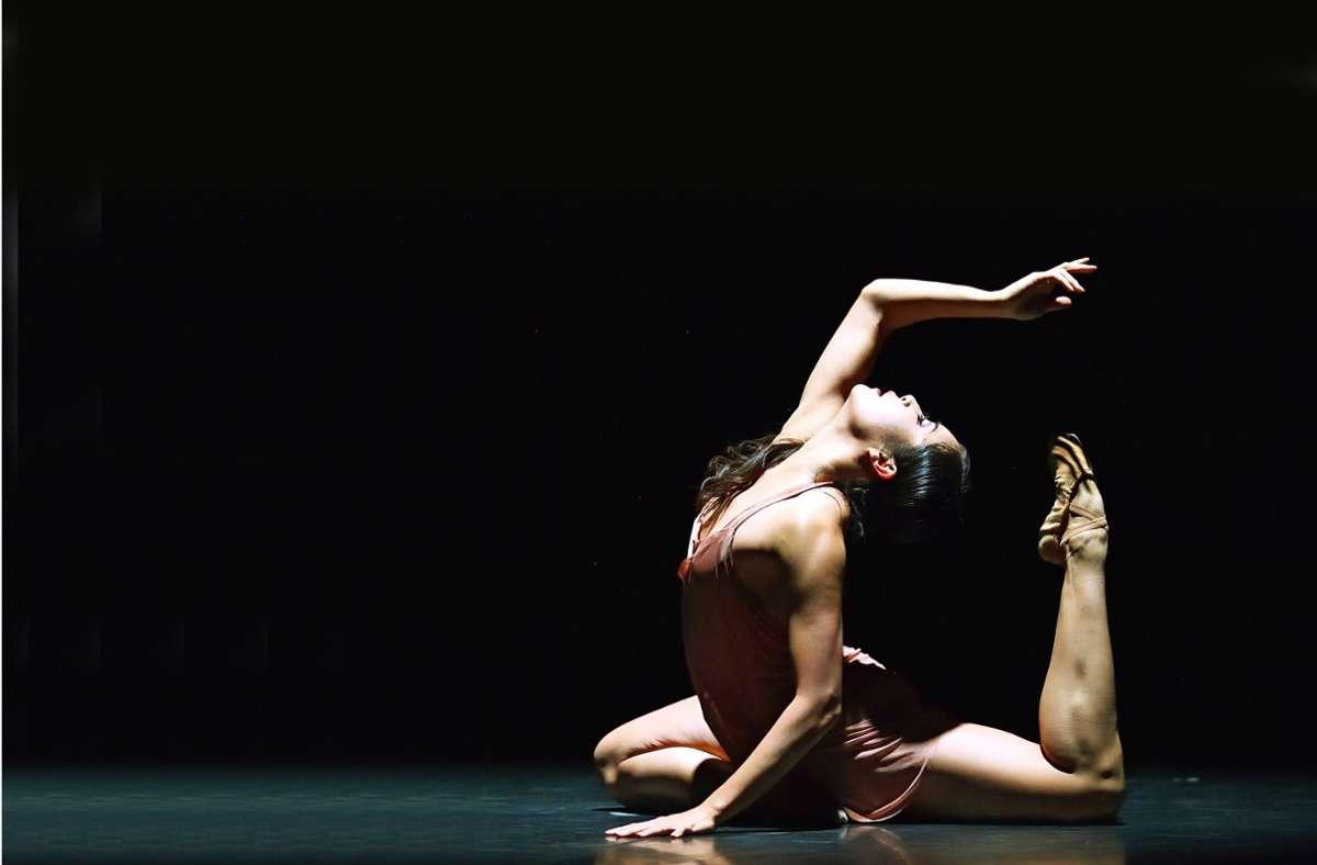 """Das Solo """"Aliunde levi"""" hat Aurora de Mori für die koreanische Tänzerkollegin choreografiert. Foto: Stuttgarter Ballett"""