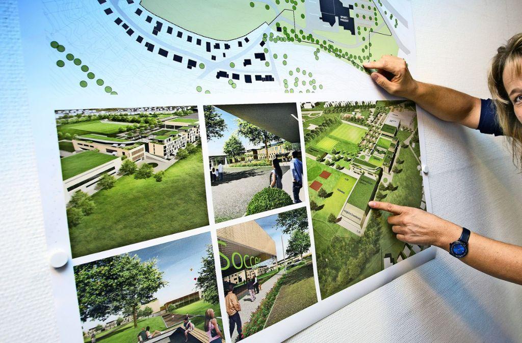 Die Bürgermeisterin Carmen Marquardt stellt die Pläne für den Park vor. Foto: Horst Rudel