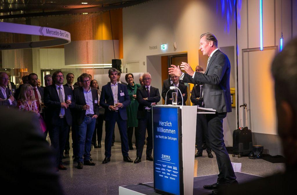 """BDZV-Präsident Dr. Mathias Döpfner bedankt sich für einen """"großartig gelungenen Kongress"""". Foto: Lichtgut/Achim Zweygarth"""
