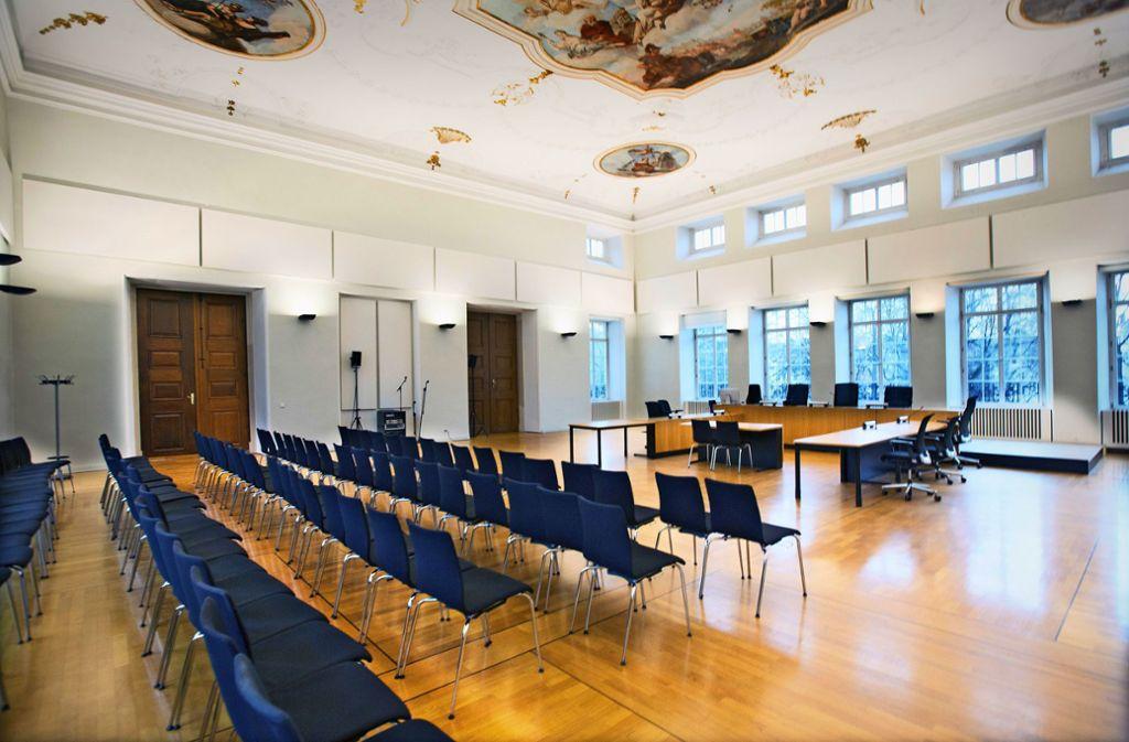 Der Saal 1 im Amtsgericht Esslingen bietet das ideale Ambiente  für eine Theateraufführung. Foto: /Horst Rudel