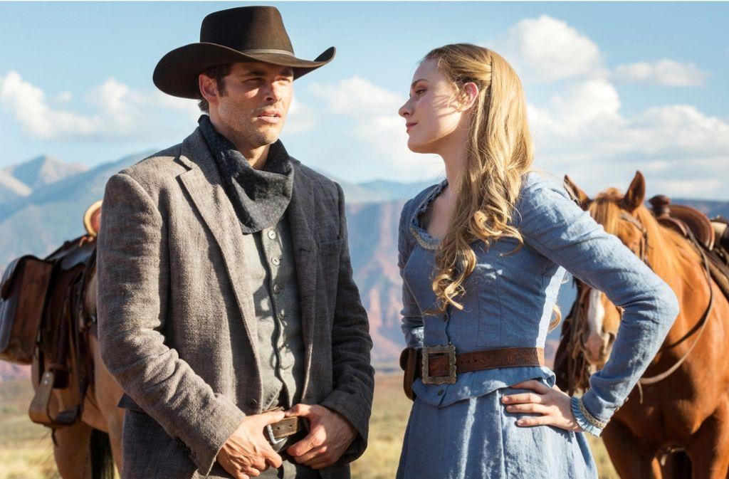 """Spielfiguren perverser (Männer-)Fantasien: James Marsden als Teddy Flood und Evan Rachel Wood als Dolores Abernathy in """"Westworld"""". Foto: HBO"""