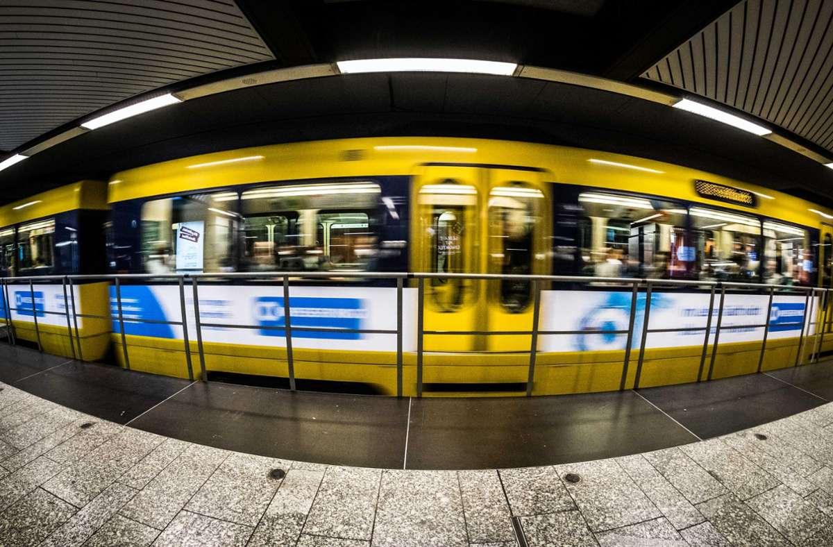 Laut SSB gebe es immer wieder Fahrgäste, die ihr Ticket nicht schnell genug vorzeigen könnten. Foto: Lichtgut/Max Kovalenko