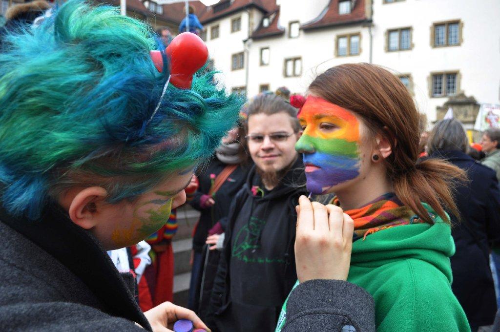 Der Bildungsplan erhitzt die Gemüter - am Wochenende gab es daher gleich zwei Demos in Stuttgart: Eine dafür, eine dagegen. Foto: Fotoagentur-Beytekin Foto Andreas Rosar