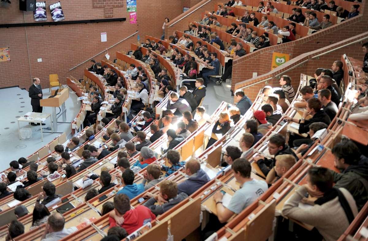 Immer mehr Studenten sind an privaten Hochschulen eingeschrieben. (Symbolbild) Foto: picture alliance / dpa/Uwe Zucchi