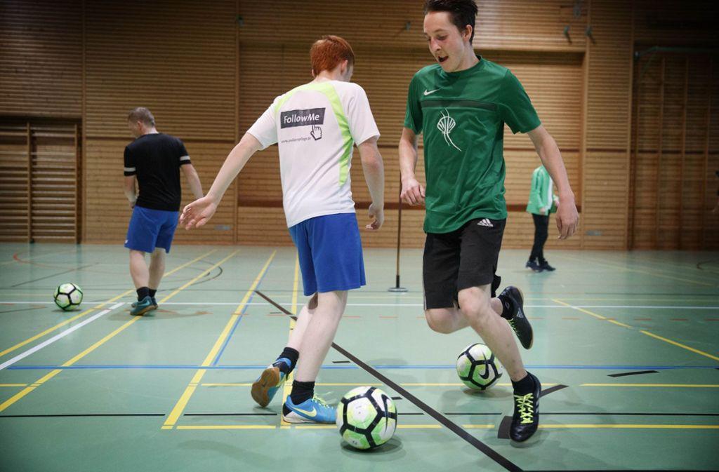 Die Spieler der inklusiven Fußballmannschaft beim Training Foto: Gottfried Stoppel
