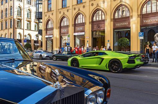 Die  Autobauer und ihre Last mit dem Luxus