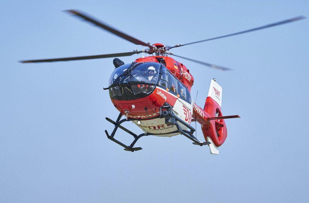 Zwei Personen zogen sich bei dem Unfall schwere Verletzungen zu. Foto: dpa/Bert Spangemacher