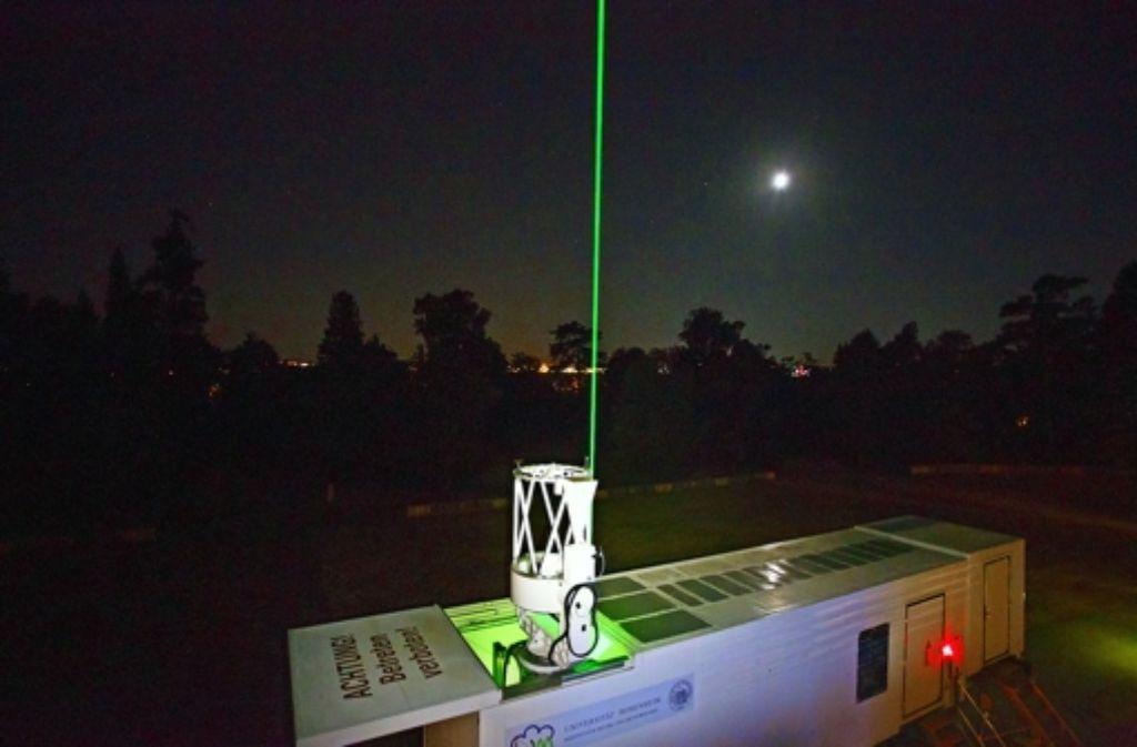 Hier misst das Lidar – eine Art Laser – den Himmel über Hohenheim – und demnächst über der arabischen Wüste. Foto: Uni Hohenheim