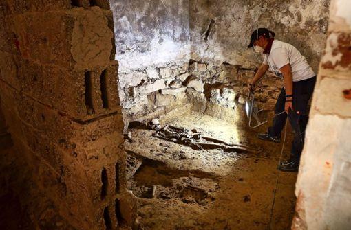 Jahrhundertealte Gräber entdeckt