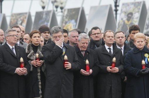 Gauck nimmt teil an Marsch der Würde