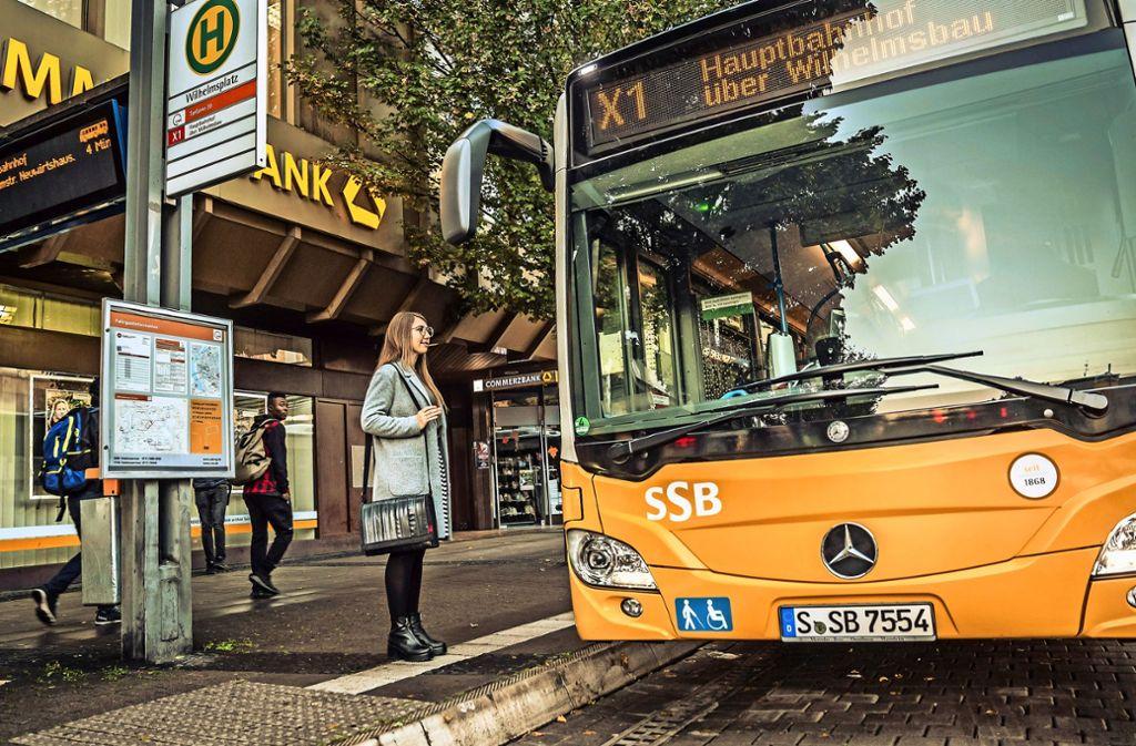 Am Wilhelmsplatz in Stuttgart-Bad Cannstatt beginnt die Route der neuen Schnellbuslinie X1. Foto: Lichtgut/Julian Rettig