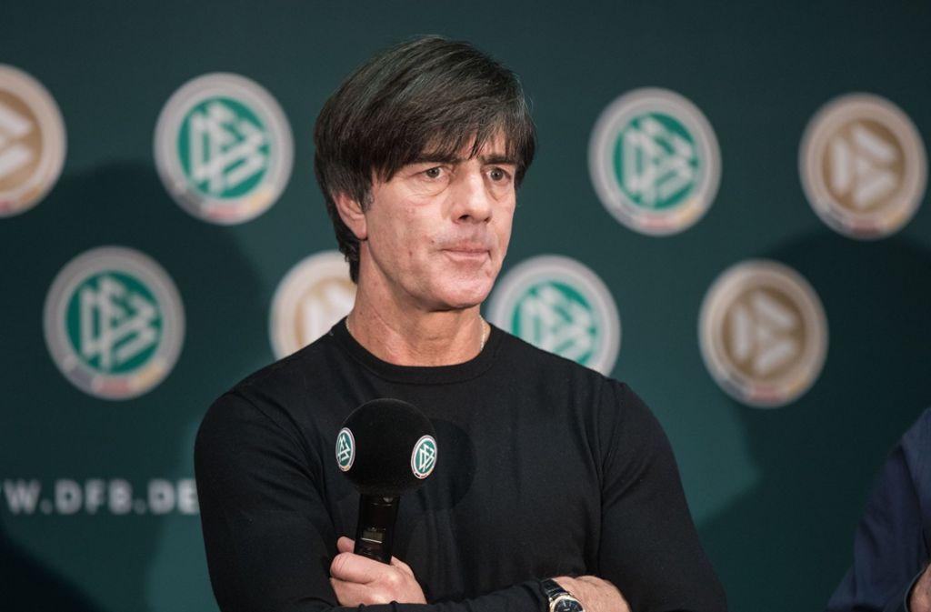 Panini weiß, worüber Bundestrainer Joachim Löw sich womöglich noch den Kopf zerbricht. Foto: dpa