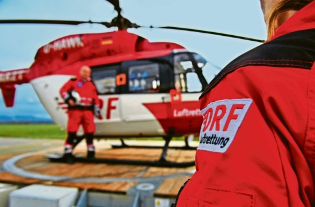 Unschlagbar schnell: die Retter sind per Helikopter stets pünktlich am Unfallort – die Kollegen am Boden nicht immer. Foto: dpa