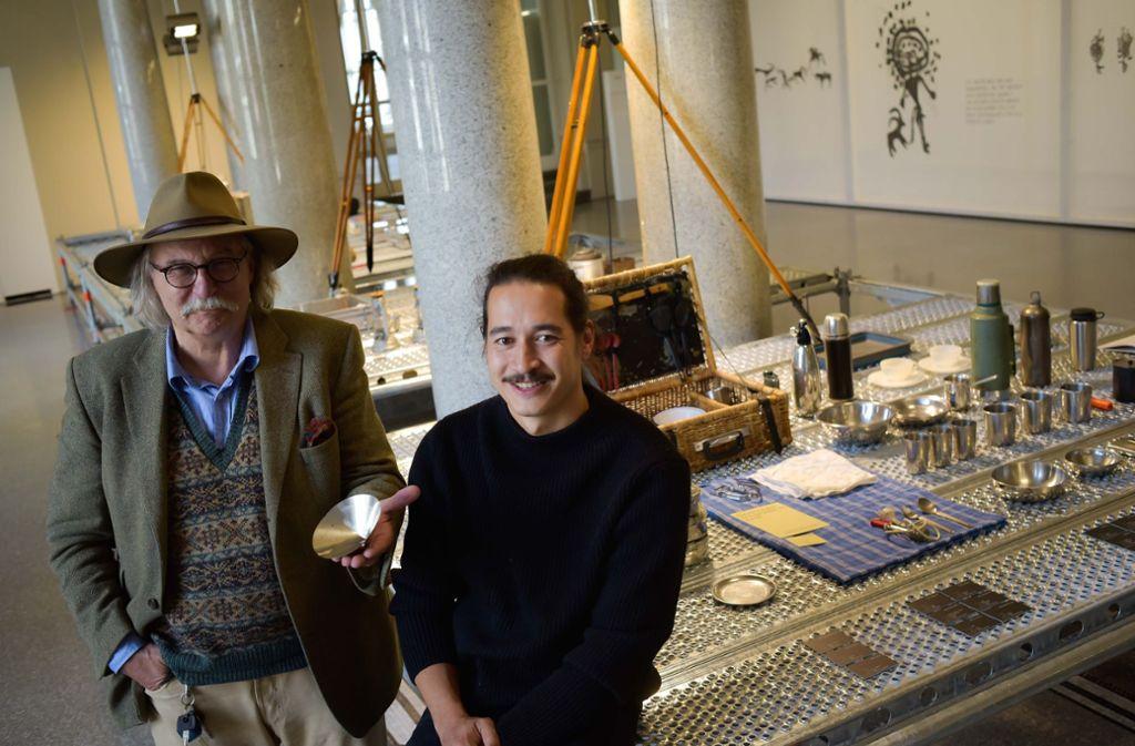 Eberhard Holder (links) und Micha Koch mit ihrem Kochgeschirr, das den Härtetest bestanden hat.  Foto: Lichtgut/Max Kovalenko