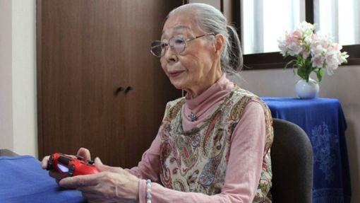 90-jährige Japanerin hält sich fit, um Videogames zu spielen