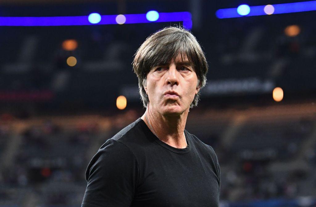 Joachim Löw steht beim Nations-League-Spiel in Frankreich unter Druck. Foto: AFP
