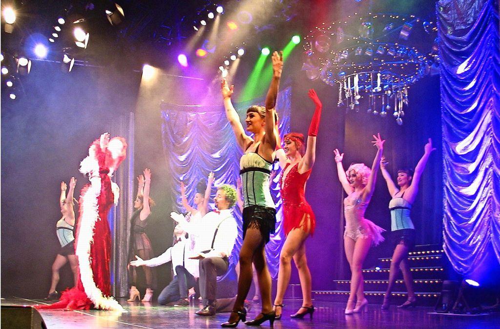Hauptsache schön glamourös: Varieté heißt Vielfalt, hier bei einer früheren Produktion. Foto: Susanne Müller-Baji