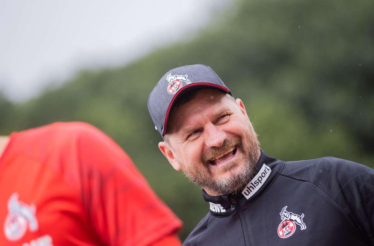 Köln-Trainer Baumgart erlaubt seinen Profis das Rauchen. Foto: dpa/Rolf Vennenbernd